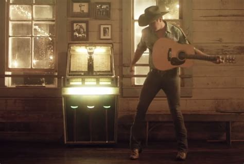 Jon Pardi Takes Fans Back in Time with 'Head Over Boots