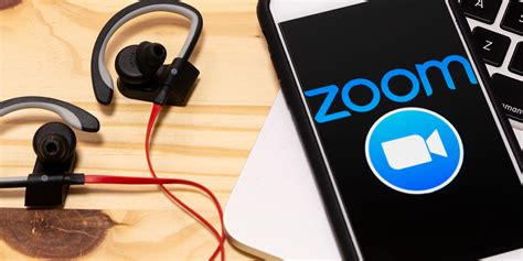 Zoom and Houseparty: Video Calling at Your Own (Privacy