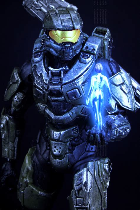 HALO 4 Spartan Petty Officer Master Chief John 117 and AI