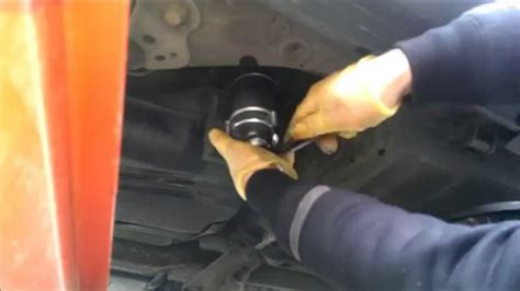 How to change replacement Fuel Diesel filter Volvo S60 2